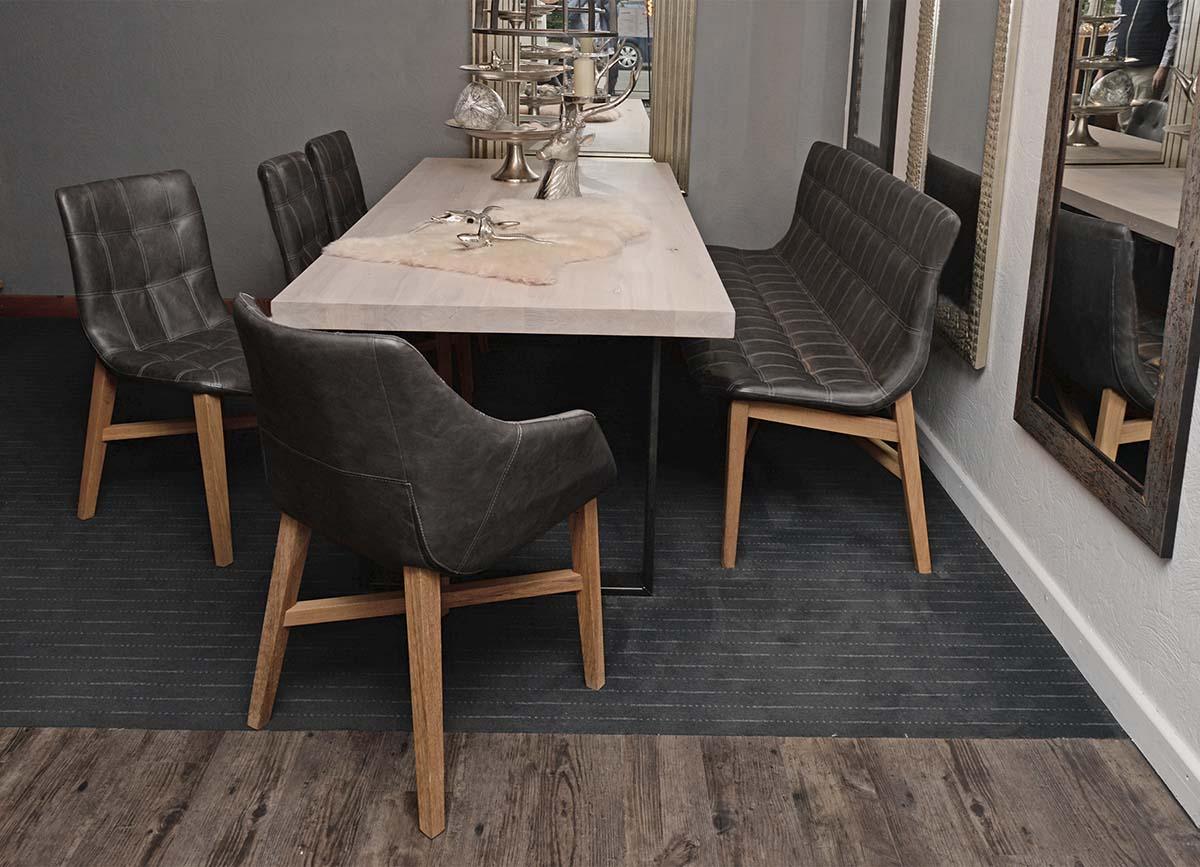 Stuhl und Sitzbank NEBA, Esstisch ROM 220 x 100 cm , Wildeiche massiv, white wash geölt, Untergestell U-Profil Roheisen