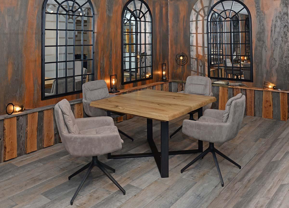 Funktionsstuhl ROYAL, Funktions-Esstisch PISAO 120 x 120 cm, Wildeiche massiv, natur geölt, umlaufende Baumkante, Kreuz-Untergestell Rohstahl.